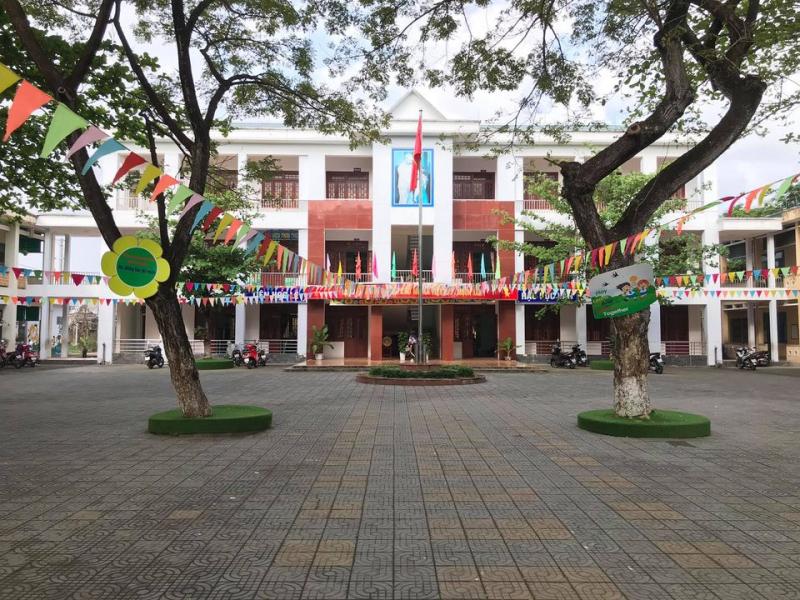 Trường Tiểu Học Trần Phú