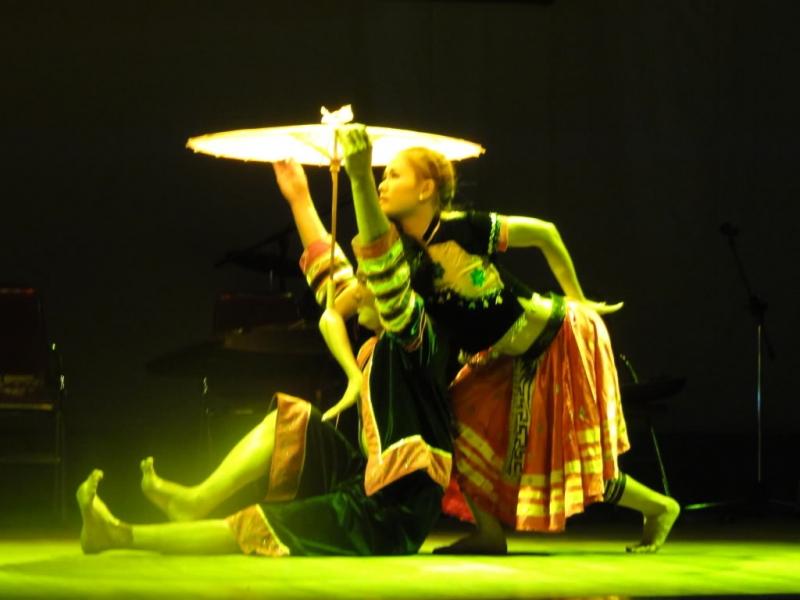Bài biểu diễn múa tại Hội thi của sinh viên Đại học Văn hóa Nghệ thuật Quân đội