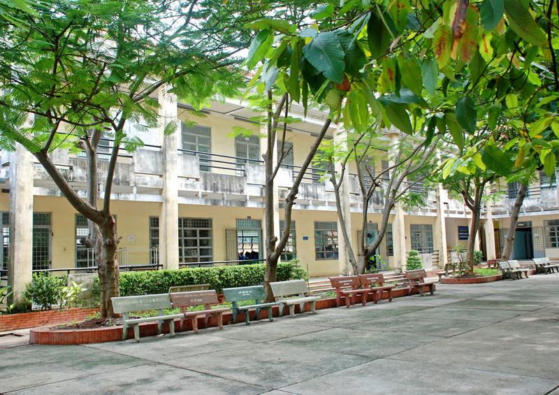 Trường Trung cấp nghề Dĩ An