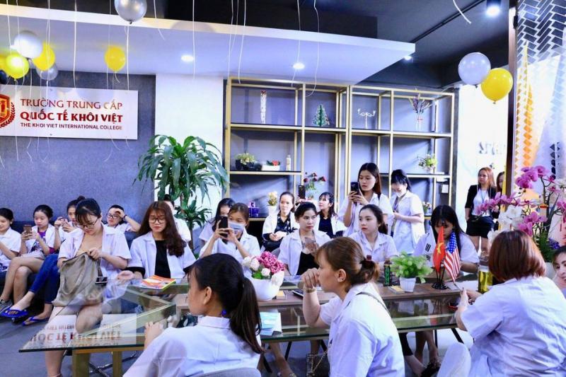 Trường Trung cấp nghề du lịch Khôi Việt