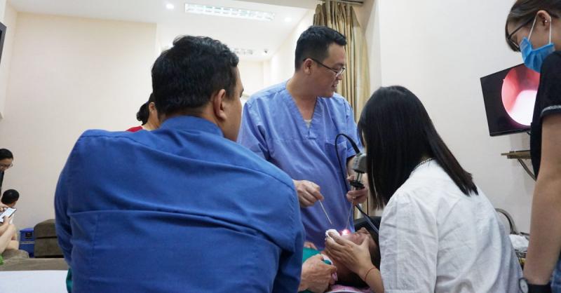 Top 8 bác sĩ chuyên khoa tai mũi họng uy tín nhất Hà Nội