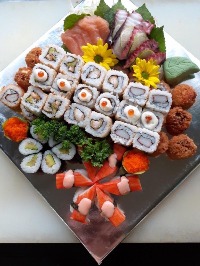Tsukimi Sushi