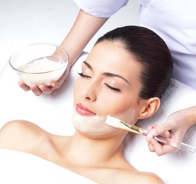 Thời điểm này các bạn nữ nên đến các spa để chăm sóc da.