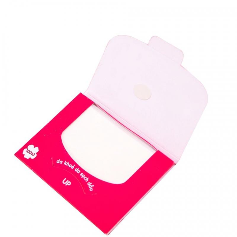 Sử dụng giấy thấm dầu và giữ da mặt sạch để ngăn ngừa mụn.