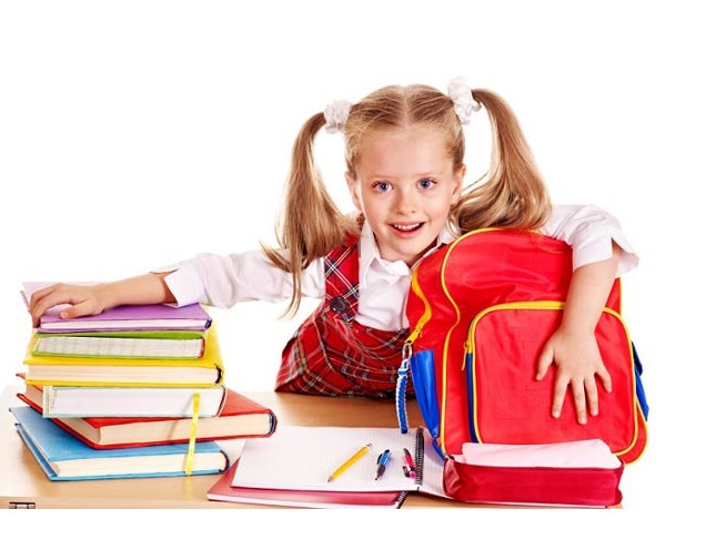 Tự chuẩn bị đồ dùng khi đi học giúp rèn cho con kỹ năng tự chịu trách nhiệm cho hành trang của bản thân.