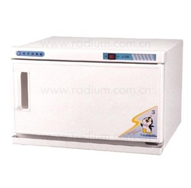Tủ hấp khăn tiệt trùng dạng giữ ẩm Radium D-336