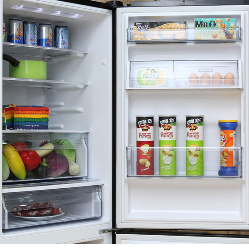 Các khay kính chứa thực phẩm của tủ lạnh Econavi NR-BV328GKV2 được thiết kế có khả năng chịu lực tốt và vô cùng bền bỉ giúp bạn có thể chứa được một lượng lớn thực phẩm