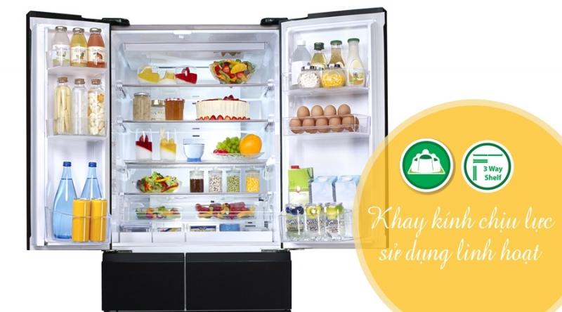 Toàn bộ khay kính của tủ lạnh đều được làm bằng khay kính chịu lực, bề mặt bằng kính dễ dàng vệ sinh