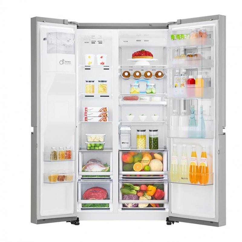 Tủ lạnh side by side LG được tích hợp công nghệ Smart ThinQ vô cùng thông minh, bạn có thể điều khiển tủ lạnh bằng điện thoại thông minh từ xa