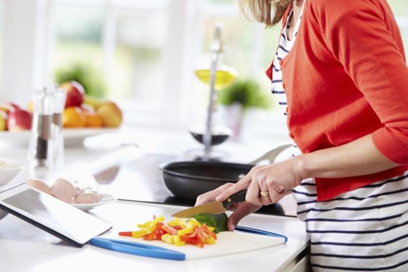Tự nấu ăn ở nhà