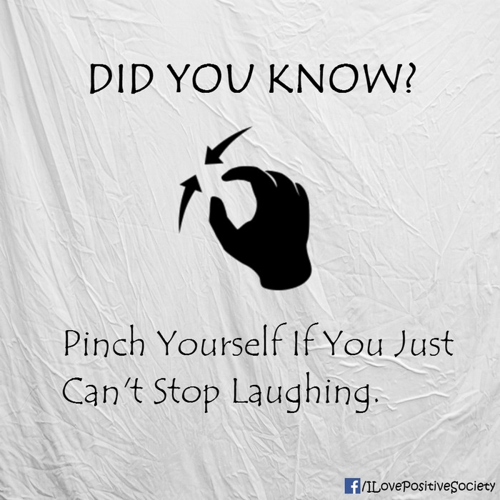 Tự ngắt/nhéo chính mình nếu bản thân không thể nhịn cười được.