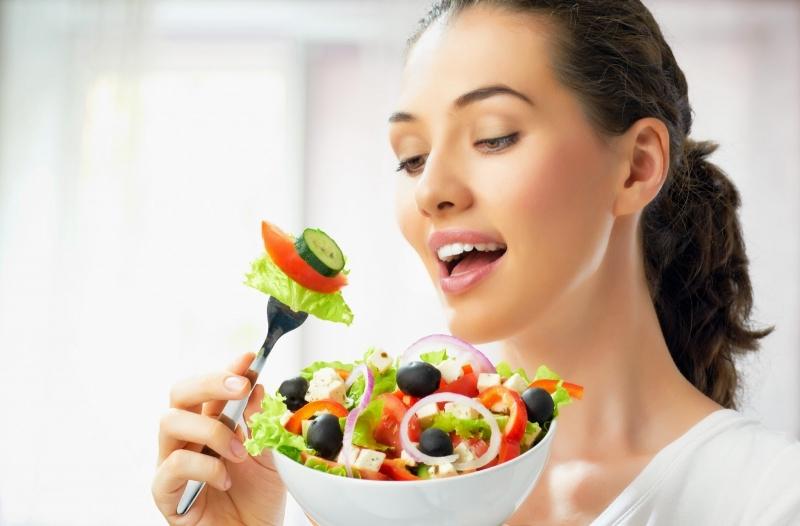 Rèn thói quen ăn uống khoa học.