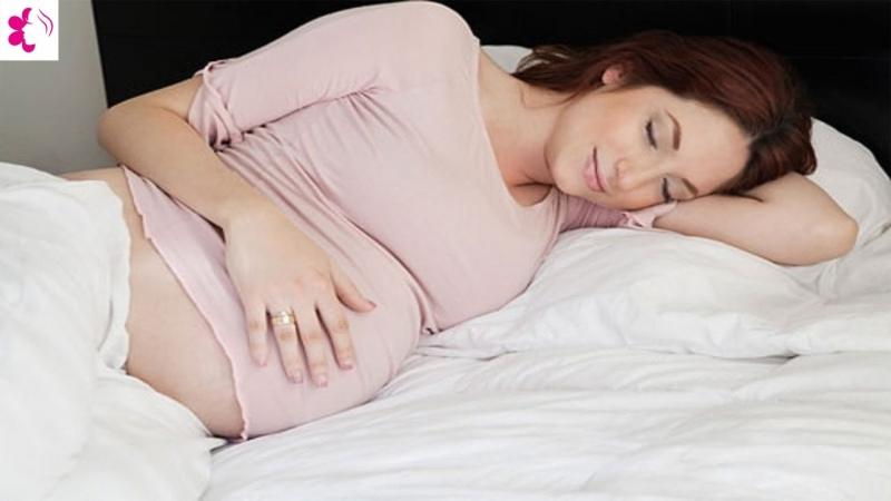 Nằm ngủ nghiêng về bên trái là tư thế tốt nhất trong 3 tháng cuối thai kỳ.