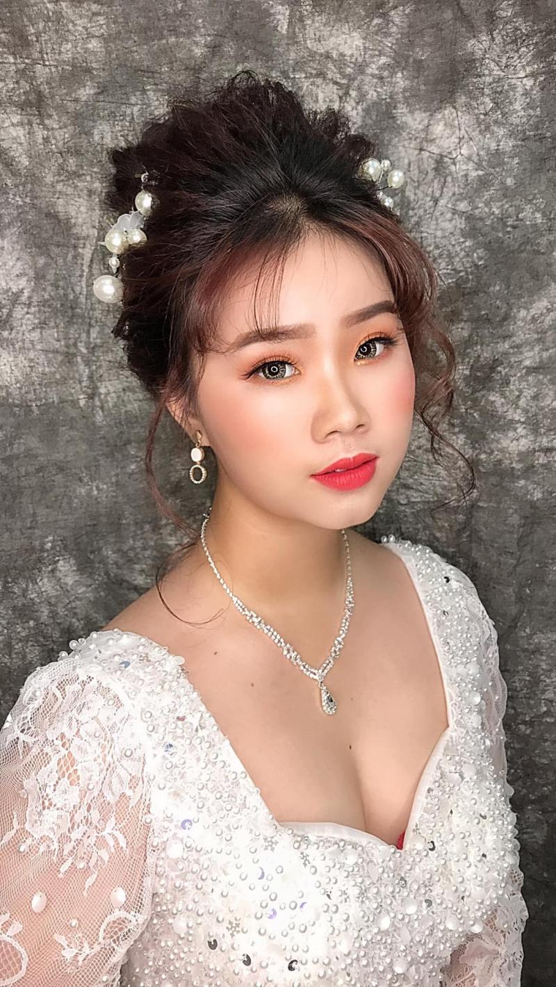 Tú Tina Make Up (Studio Wedding Win)