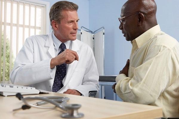 Khi cảm thấy khó thở cần đến gặp bác sĩ, không tự ý điều trị