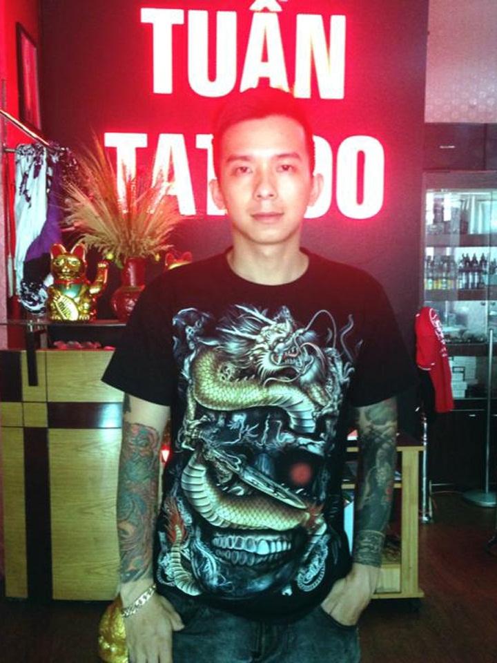 Phạm Minh Tuấn, chủ salon Tuấn Tattoo