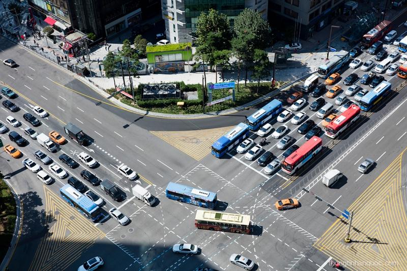 Tuân thủ luật giao thông