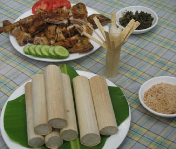 Tục bó vỏ ống cơm lam của dân tộc Thái