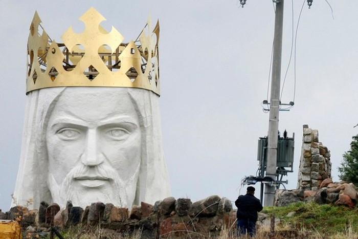 Tượng Chúa Giêsu ở Swiebodzin, Ba Lan