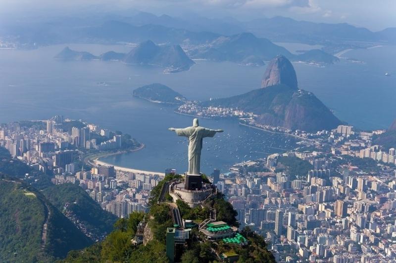 Tượng chúa Kito cứu thế ở Rio de Janerio – Brazil