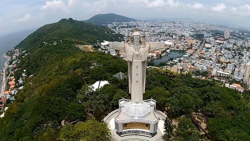Tượng chúa Kito Vua ở Vũng Tàu – Việt Nam