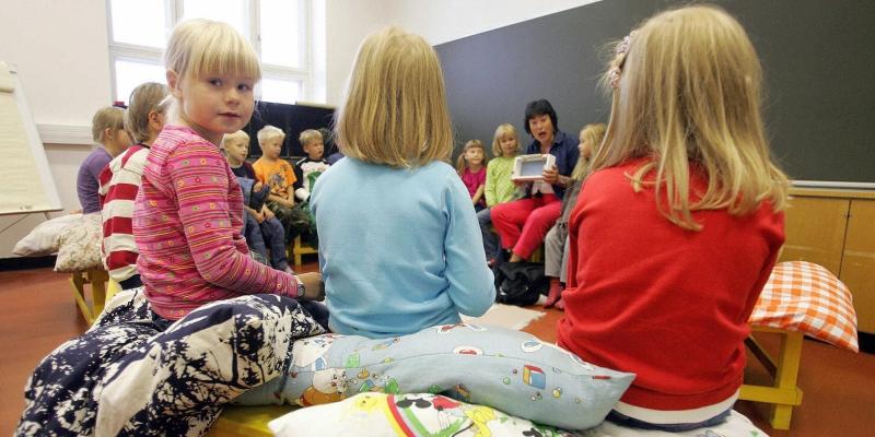 Hơn 93 % học sinh Phần Lan tốt nghiệp từ một trường dạy nghề hoặc trường trung học