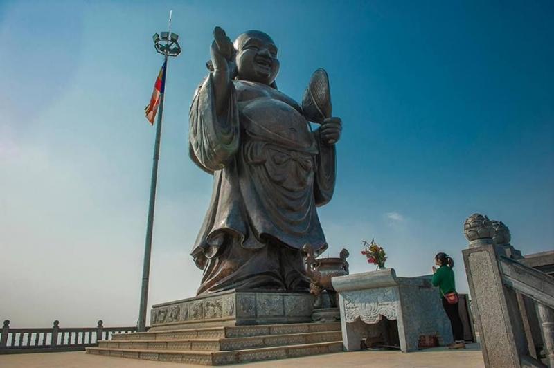 Tượng Phật Di Lặc bằng đồng lớn nhất Đông Nam Á