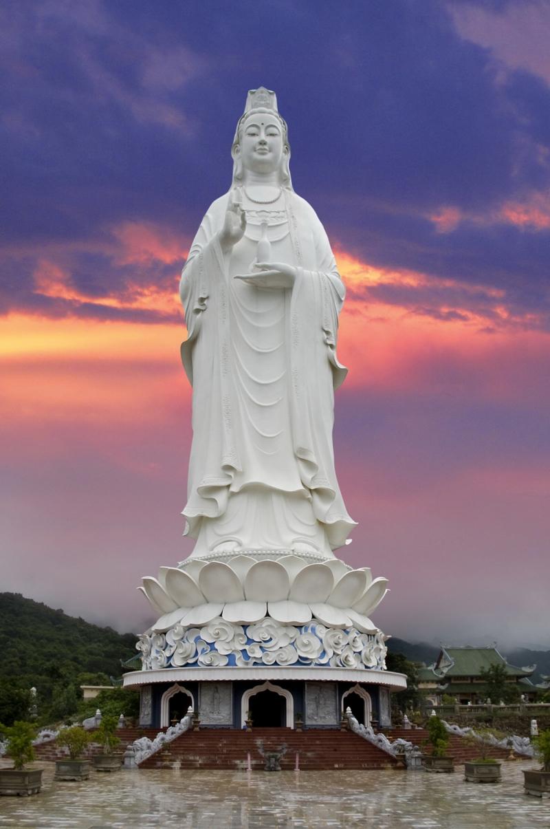 Tượng Phật Quan Thế Âm cao nhất Việt Nam.