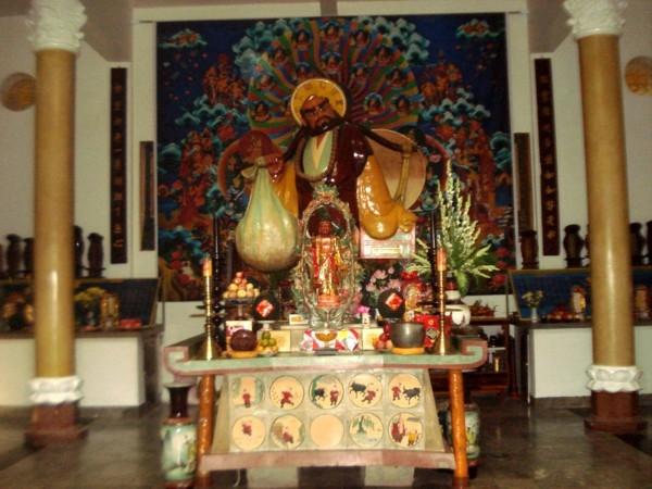 Tượng Đạt Ma Sư Tổ tết bằng tóc lớn nhất Việt Nam.