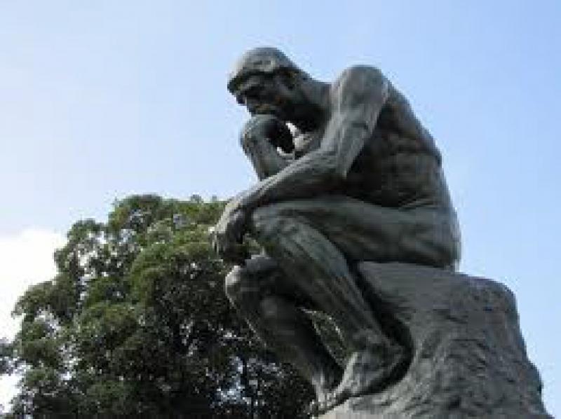 Tượng The Thinker (Người Suy Tưởng) – Auguste Rodin