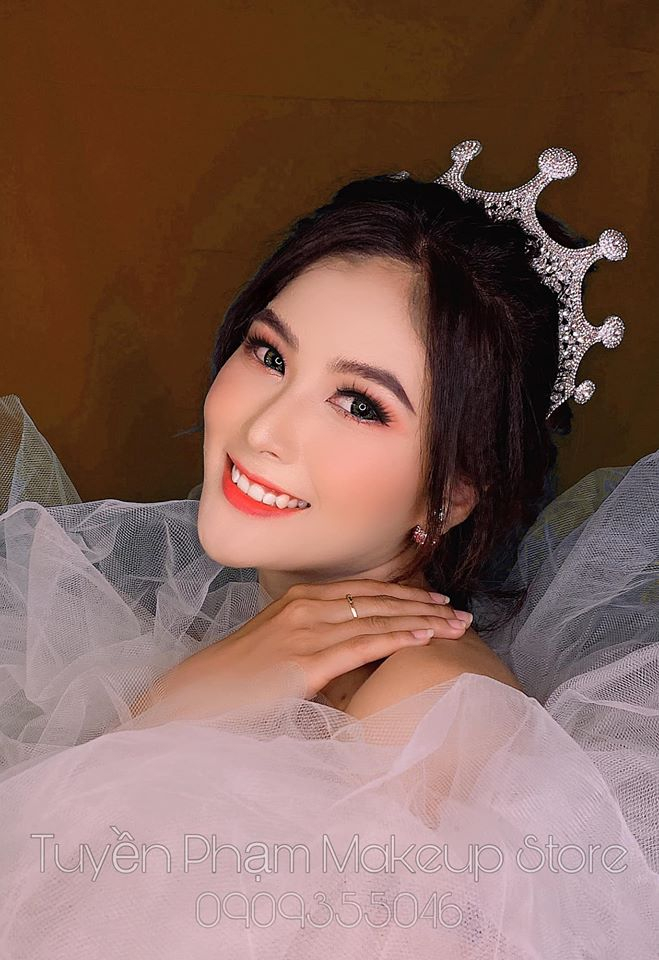 Tuyền Phạm Makeup Artist