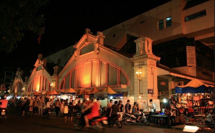 Chợ Đêm - điểm đi chơi cuối tuần nhộn nhịp