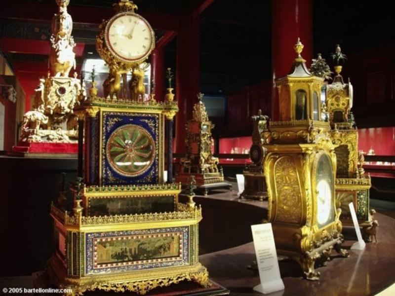 Tử Cấm Thành còn lưu giữ hơn 1.000.000 đồ cổ và châu báu.