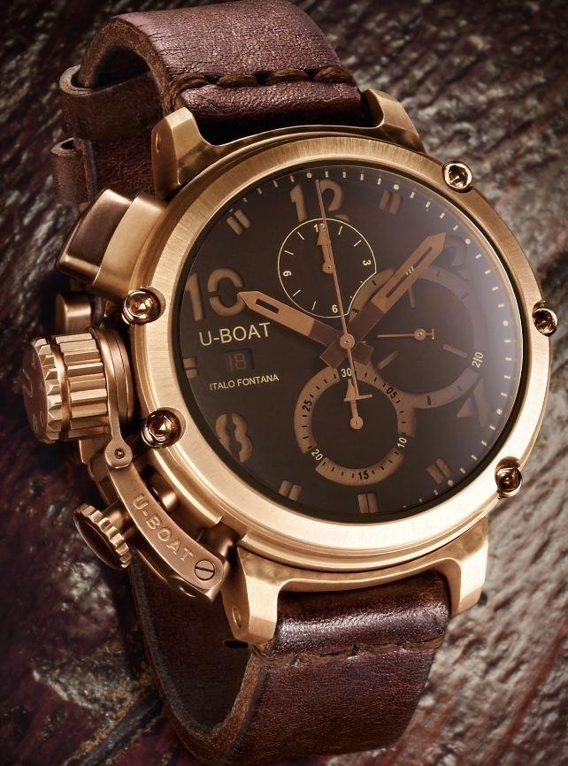 Nét cổ điển và lịch lãm được thể hiên qua chiếc đồng hồ U-Boat U-51 Chimera Bronze. Chiếc đồng hồ này gần 150 triệu/chiếc.