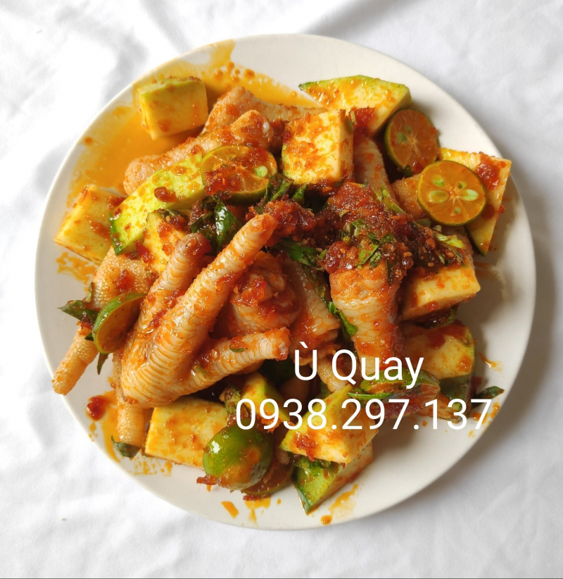 Ù Quay
