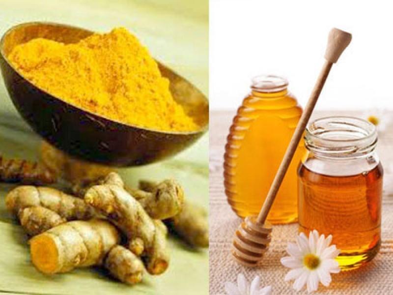 Nghệ và mật ong kết hợp tăng cường hệ miễn dịch cho cơ thể