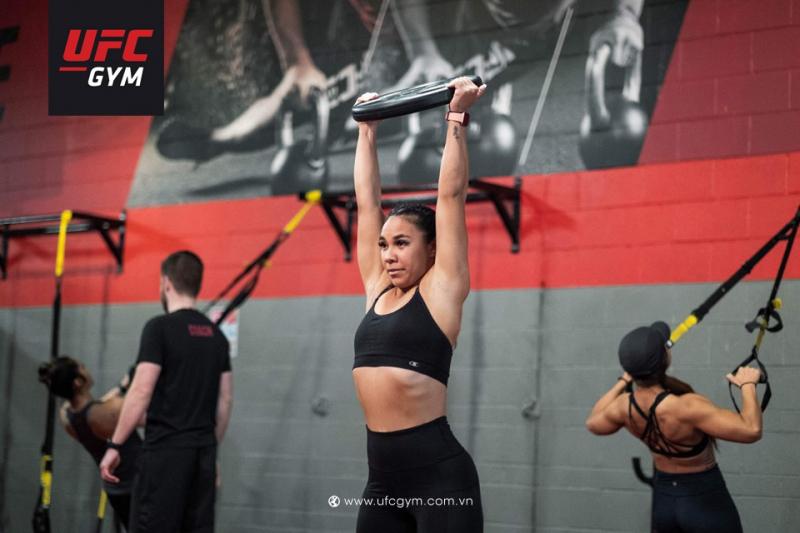 Nếu bạn cảm thấy cơ thể mình ngày càng thừa cân, dẫn đến thiếu tự tin và stress trầm trọng, hãy tìm đến những bài tập thể hình, nó không chỉ làm tâm trạng của bạn tốt hơn mà còn giúp bạn bảo vệ sức khoẻ và cải thiện sắc vóc hiệu quả.