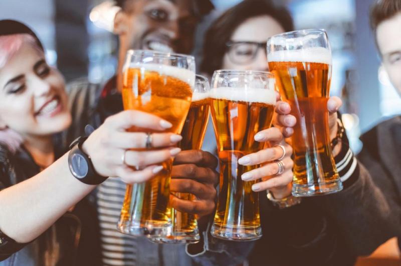 Ukraine - Cấm uống rượu ở nơi công cộng