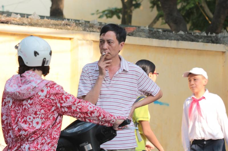 Hút thuốc lá ảnh hưởng đến những người xung quanh