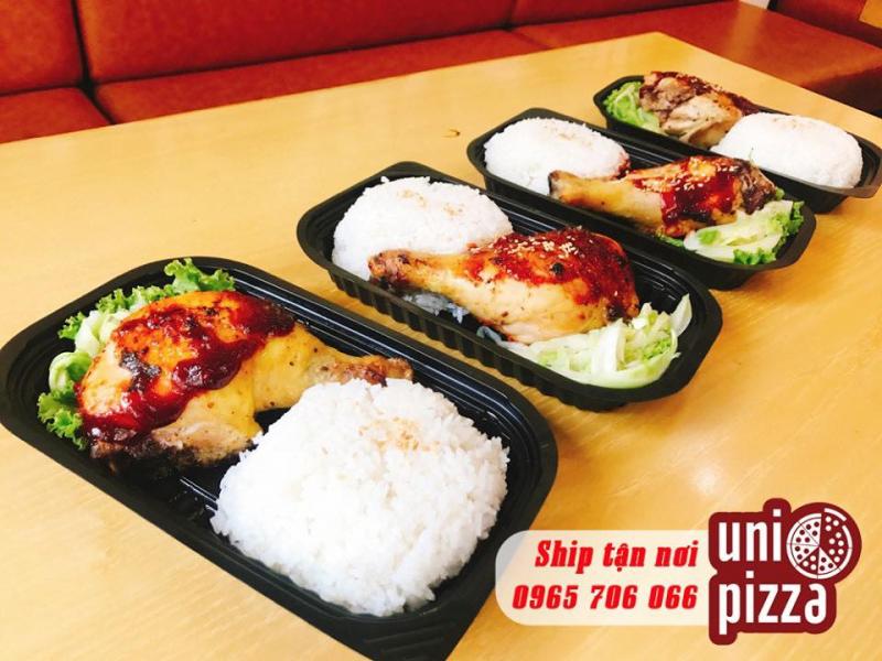 Cơm gà tại  Uni Matcha