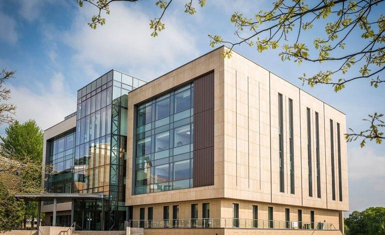 University of Bath được thành lập năm 1966 tại thành phố Bath