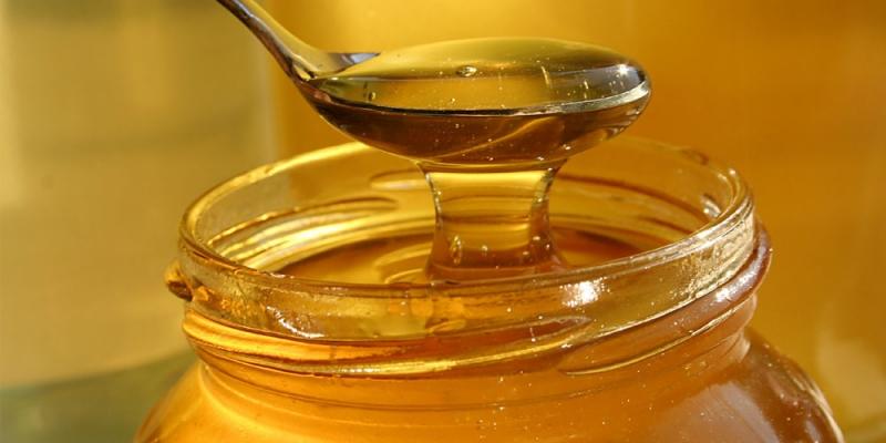 Uống một cốc nước mật ong chừng nửa giờ trước bữa ăn.