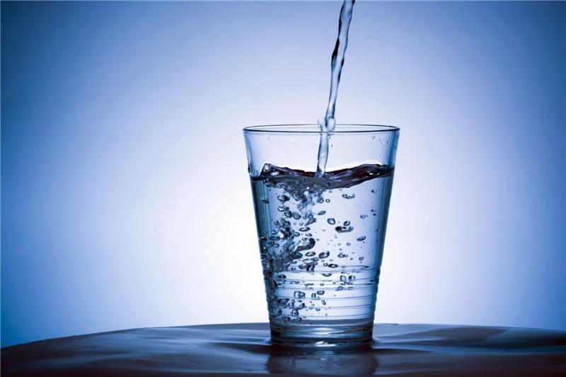Một cốc nước giúp bạn giảm căng thẳng