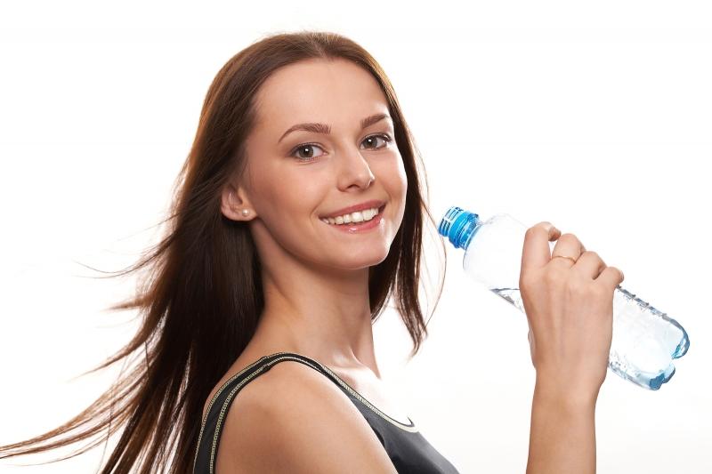 Nhớ uống từ 1,5-2 lít nước/ ngày