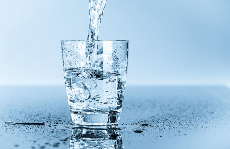 Nước giúp giảm cân và chống béo phì