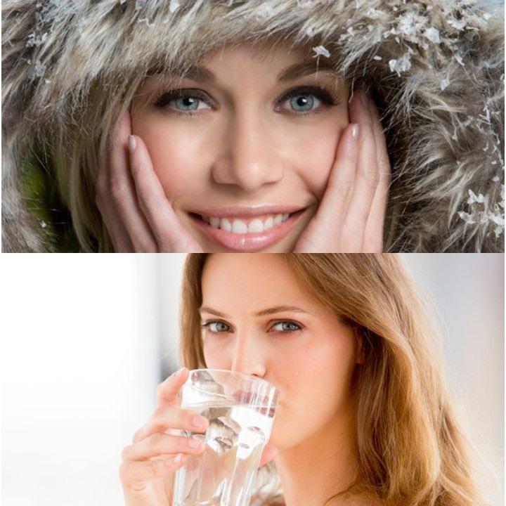 Uống nước ấm để giữ ẩm cho da