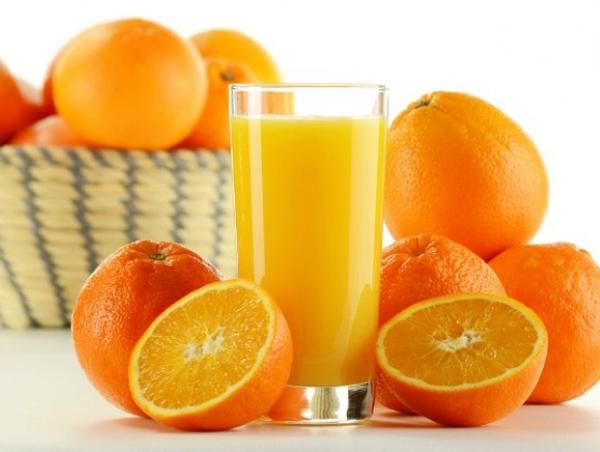 Theo quan niệm của các quốc gia phương Đông, uống nước cam vào ngày đầu năm mới sẽ mang lại nhiều năng lượng và tài lộc