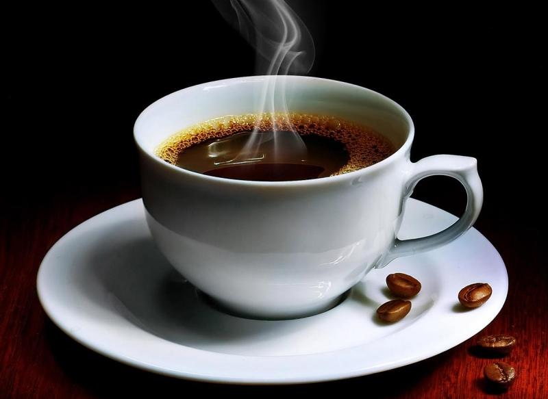 Cafe làm tăng huyết áp từ đó gây ra sức ép cho thận