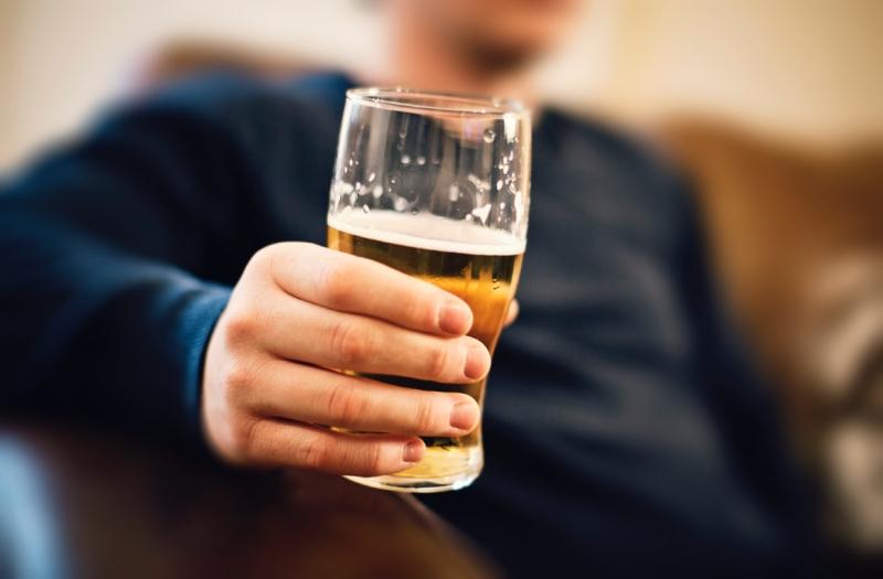 Uống rượu bia vô độ