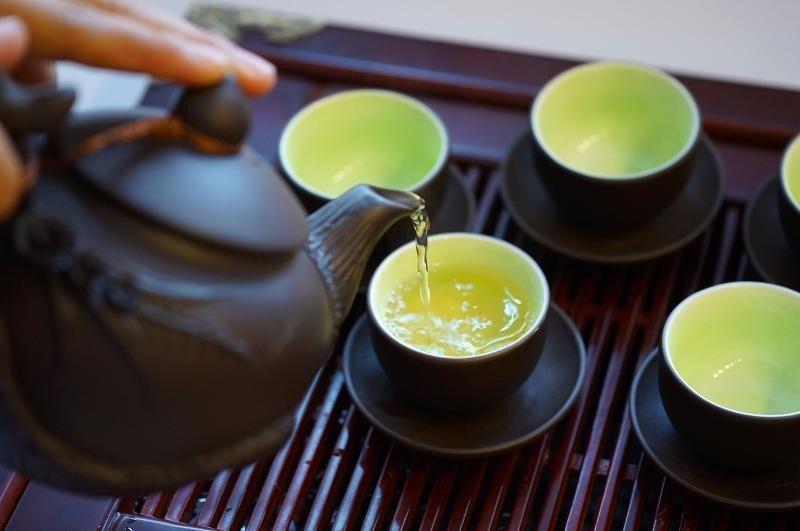 Không nên uống trà ngay sau bữa ăn